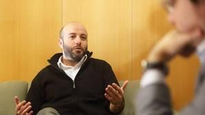 El portavoz parlamentario de En Marea, Luís Villares, durante la entrevista