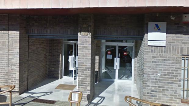 La agencia tributaria asegura que no se plantea cerrar su for Oficinas de hacienda en sevilla