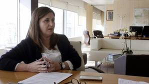 Regina Leal, en su despacho del Sescam