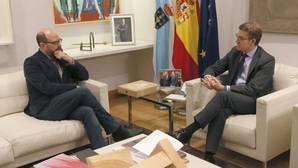 Alberto Núñez Feijóo y Martiño Noriega tras su reunión ayer en la sede de la Xunta