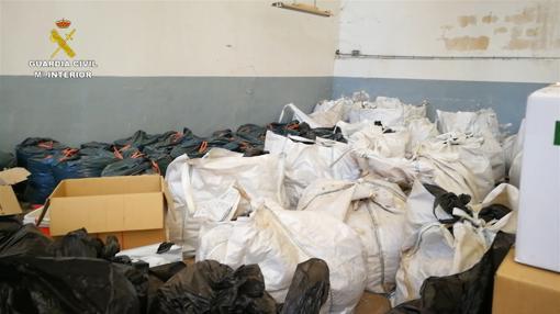 Sacas con cientos de kilos de droga en cogollos