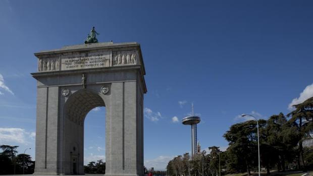 El Arco de la Victoria, situado en el madrileño distrito de Moncloa
