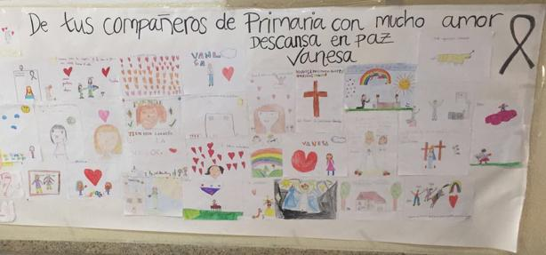 Mural realizado por alumnos de primaria del colegio para recordar a su compañera