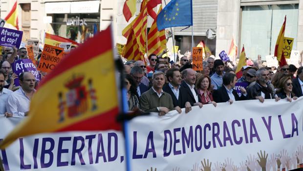 Manifestación en el centro de Barcelona, convocada por Sociedad Civil Catalana (SCC), bajo el lema 'Aturem el cop separatista, Paremos el golpe separatista'
