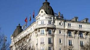 «El rey del simpa»: un mes viviendo a todo trapo en los hoteles más exclusivos de Madrid