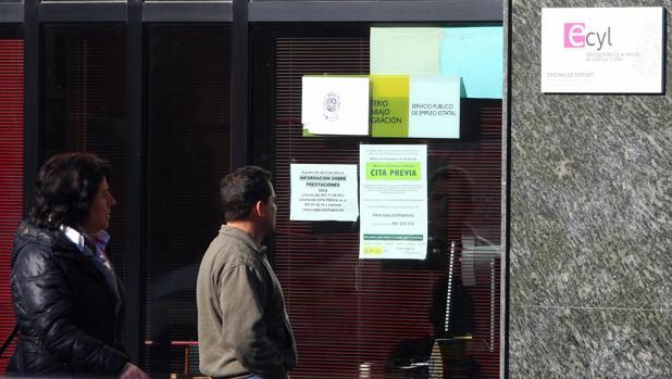 Castilla y le n concluye marzo con parados menos for Oficina de empleo cadiz