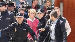 Esperanza Aguirre este jueves a su salida de la Audiencia Nacional tras declarar como testigo en Gürtel