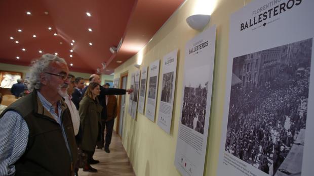 La muestra recoge fotografías de los archivos de ABC y de la Diputación de Zaragoza