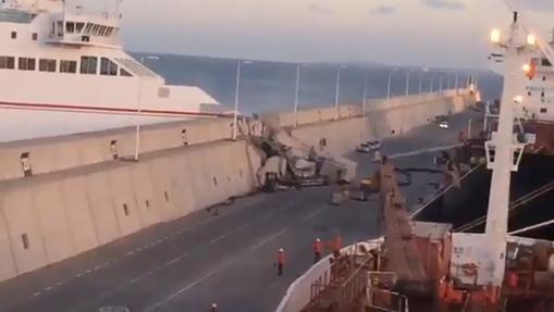Cinco escalofriantes momentos del choque de un ferry de Naviera Armas en Canarias