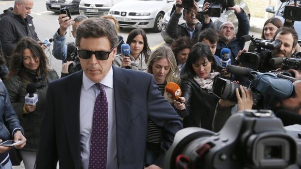 El padre de Diana Quer, en los juzgados de Ribeira