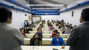 Alumnos en una universidad gallega