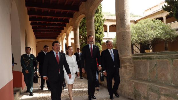 El Rey, este martes en Cuacos de Yuste (Cáceres junto a Fernández Vara, Ana Pastor y Antonio Tajani