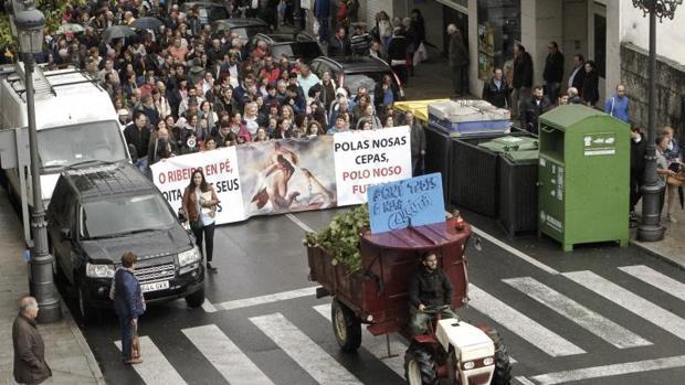 Protesta de los afectados por las heladas y las fuertes lluvias de las últimas semanas