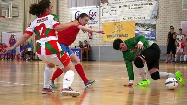Lance del juego en el partido País Vasco-Rusia, jugado esta semana