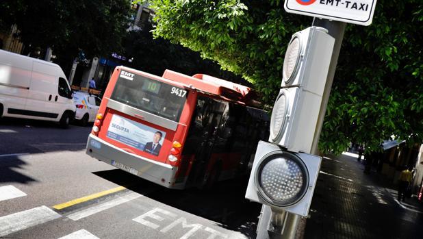 Imagen de archivo de un autobús de la EMT de Valencia