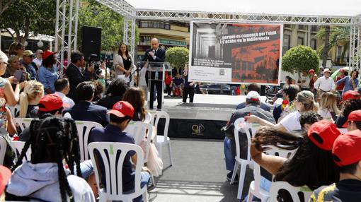 Gabriel Echávarri durante el acto en Alicante