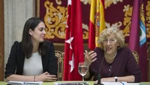 Rita Maestre y Manuela Carmena, en la sede de la Plaza de la Villa