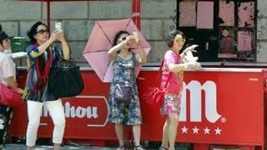 Turistas en la plaza del Ayuntamiento