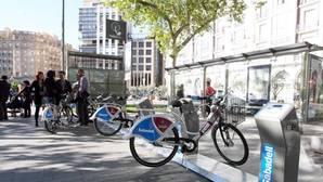 Las bicicletas son uno de los pocos medios de transporte con los que se podrá cruzar el centro