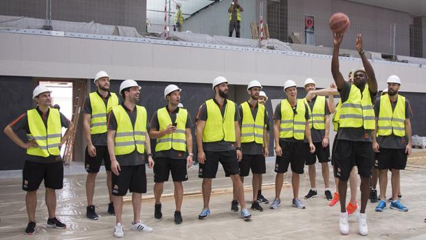 Imagen de los jugadores del Valencia Basket, equipo campeón de la Liga Endesa