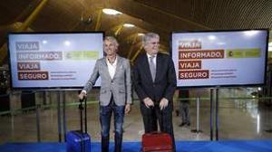 El ministro de Exteriores Alfonso Dastis, junto a Jesús Calleja, presenta la iniciativa «Viaja informado, viaja seguro»