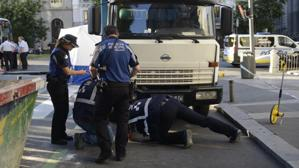 El giro de un camión o un resbalón, dos hipótesis para el ciclista de BiciMad muerto