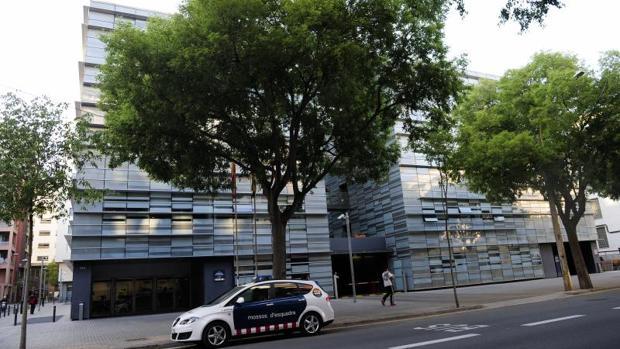 La sede central de la comisaría de los Mossos, en Barcelona