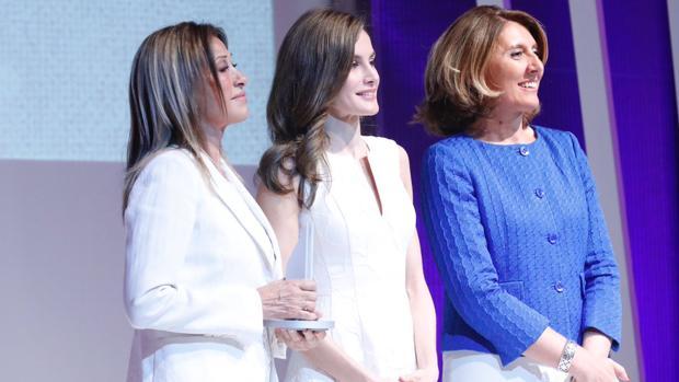 La Reina, en la entrega de los Premios Nacionales de la Moda