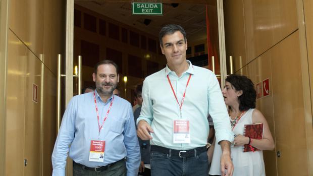Pedro Sánchez y José Luis Ábalos, en una imagen de archivo