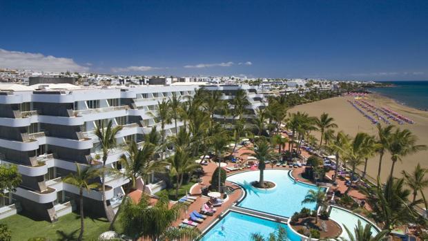 Hotel Fariones, Lanzarote, el hotel de Vicente Calderón en Canarias y primer gran establecimiento de la isla