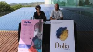 Maite Serrat y Carlos Linares, durante la presentación del programa de verano