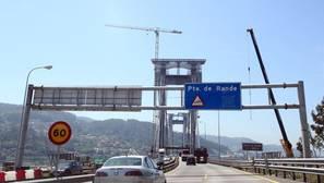 El Puente de Rande, en obras, es uno de los tramos con más circulación de la autopista