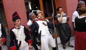 Más de 200 actores aficionados representan la lucha contra la invasión de los franceses