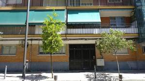 El edificio en donde ocurrió el crimen, situado en el número 1 de la calle del Oeste de Getafe
