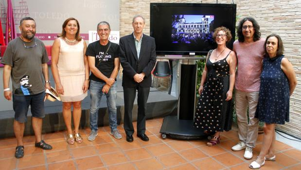 Los concejales Rodríguez, González y Mejías junto a reponsables del festival este viernes