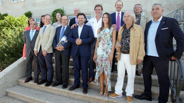 Rodríguez Miranda junto a los presidentes de las asociaciones