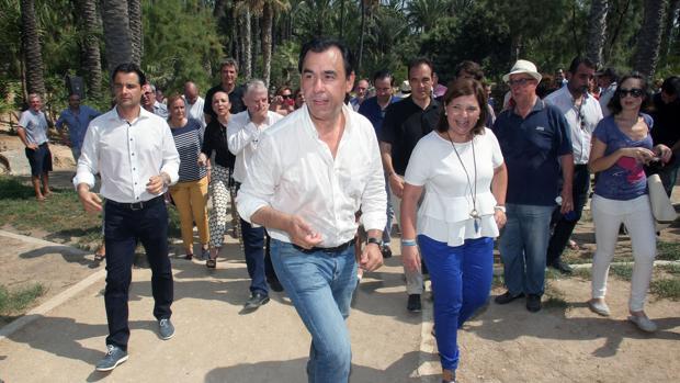 Fernando Martínez-Maillo, junto a Isabel Bonig este sábado en Alicante