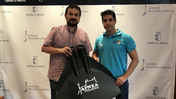 Rubén Gómez-Lanza junto al Director General de Juventud y Deportes, Juan Ramón Amores