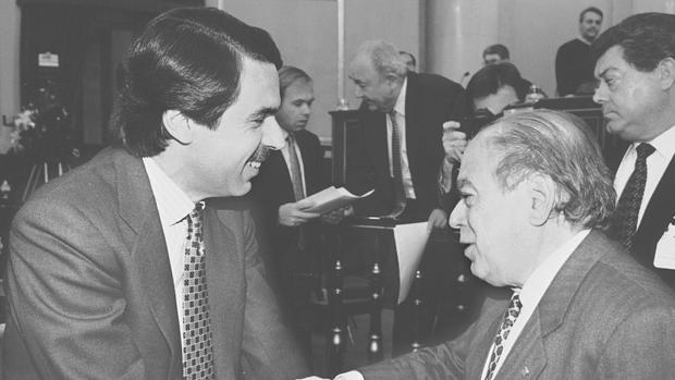 José María Aznar junto a Jordi Pujol en 1997