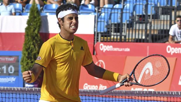 El joven tenista balear Jaume Munal, vecedor del Torneo de Tenis de El Espinar