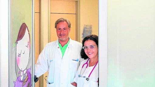 El jefe de pediatría, Fernando Centeno y la neonatóloga, María Samaniego