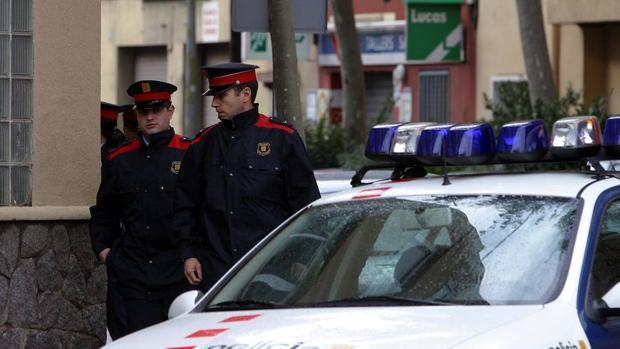 Mossos d'Esquadra patrullando por Barcelona