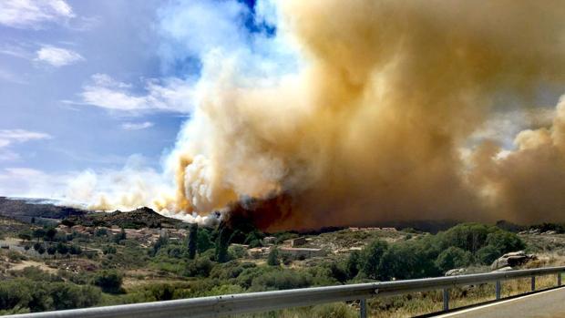 Incendio forestal en Navarredonda de Gredos (Ávila)