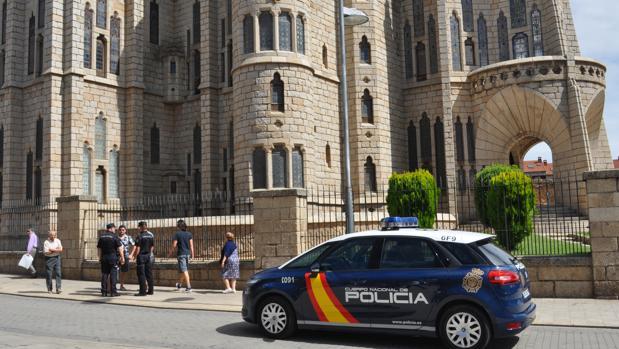 El detenido amenazó con un cuchillo a viandantes del centro de Astorga