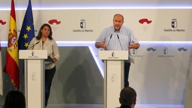 La consejera Agustina García y el vicepresidente José Luis Martínez
