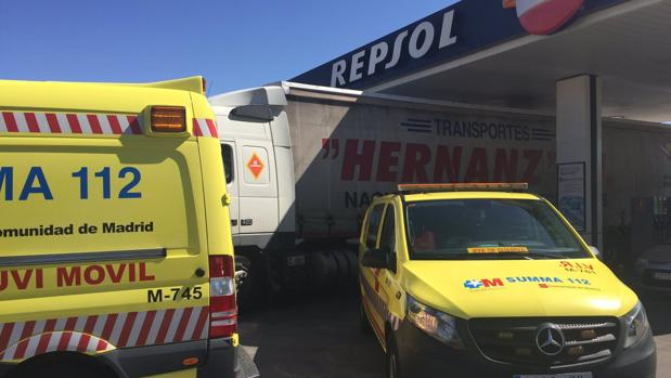 Vehículos del Summa se desplazaron a la gasolinera en de Casarrubuelos