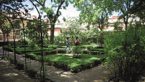 Espacio interior del jardín del Príncipe de Anglona