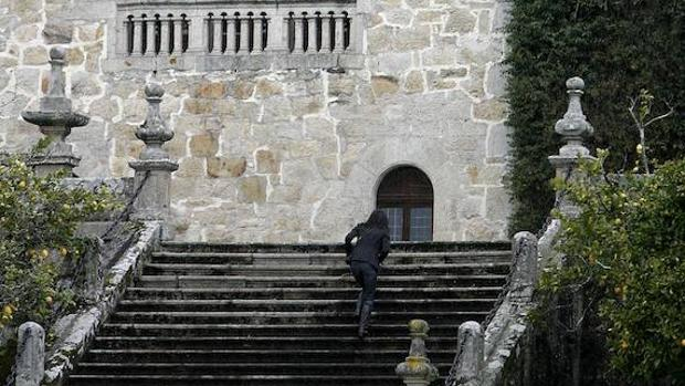 El Ayuntamiento de Sada declara «persona non grata» a la familia de Franco
