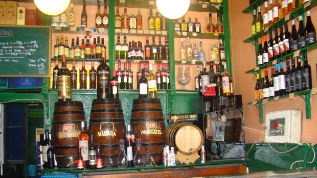 Situada en la calle Cuchilleros, la bodega Ricla abrió sus puertas en 1867