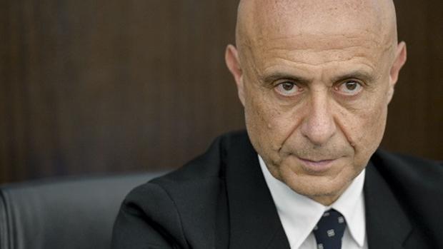El gobierno italiano asombra que la rambla no estuviera for Ministro de interior espana